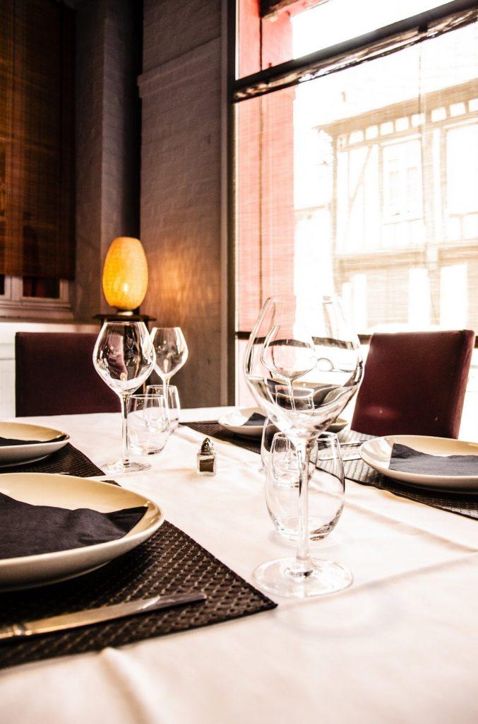 table dressée au restaurant libanais de Ziad kamal